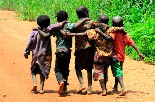 """""""Si vols anar ràpid camina sol, si vols arribar molt lluny fes-ho acompanyat."""" -Proverbi africà"""
